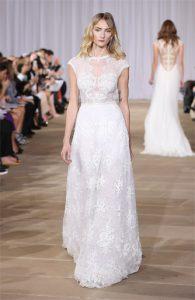 Vestido de Novia Ines di Santo Inspired linea a de sutil encaje y pedreria fina bordada